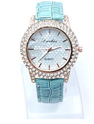 baratos -Mulheres Relógio de Pulso Relógio Casual / imitação de diamante Couro Banda Heart Shape / Fashion / Relógio Elegante Preta / Branco / Azul