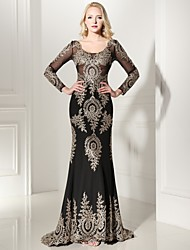 Mermaid / Trumpet V-neck Sweep / Brush Train Jersey Formal Evening Dress with Appliques Lace by Luoge