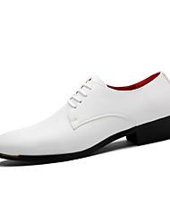 Masculino sapatos Couro Ecológico Primavera Outono Conforto Oxfords Cadarço Para Casual Branco Preto