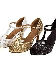 preiswerte -Damen Latin Salsa Satin Kunstleder Sandalen Absätze Professionell Innen Verschlussschnalle Blume Maßgefertigter Absatz Weiß Schwarz Golden