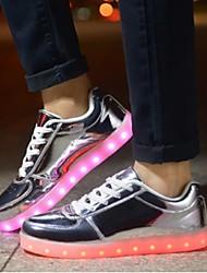 Herrer Sneakers Komfort Lysende Sko Kunstlæder Forår Efterår Atletisk Afslappet Fest/aften Paillette LED Snøring Flad hæl Sølv Gylden Flad
