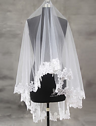 cheap -One-tier Lace Applique Edge Scalloped Edge Wedding Veil Blusher Veils Fingertip Veils With Applique Sequin Ruched Lace Tulle