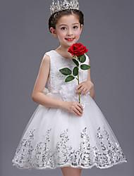 preiswerte -Ballkleid kurz / Mini Blume Mädchen Kleid - Tüll ärmellosen Juwel Hals mit Pailletten von lovelybees