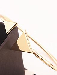 Недорогие -Жен. Браслет разомкнутое кольцо Бижутерия Мода бижутерия Сплав Треугольной формы Бижутерия Назначение Особые случаи Спорт