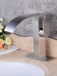 Moderne Art Deco/Retro Centersat Keramik Ventil Enkelt håndtere to Huller for  Børstet , Håndvasken vandhane