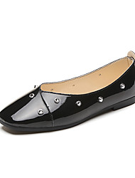 cheap -Women's Shoes Patent Leather Spring Fall Comfort Flats Flat Heel Round Toe Imitation Pearl for Casual Party & Evening Dress White Black