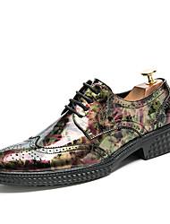 baratos -Homens sapatos Couro de Porco Primavera / Outono Sapatos formais Oxfords Caminhada Preto / Marron