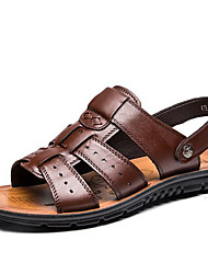 abordables -Homme Chaussures Cuir Printemps / Eté Confort Sandales Chaussures d'Eau Noir / Brun Foncé