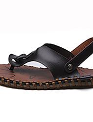 preiswerte -Herrn Schuhe PU Sommer Komfort Sandalen Walking Schnalle für Normal Weiß Schwarz