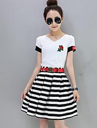 preiswerte -Damen T-shirt - Solide V-Ausschnitt Rock