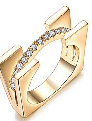 Mulheres Anéis Grossos Cristal Básico Amor Sexy Moda Personalizado Estilo bonito Jóias de Luxo Clássico Elegant Cristal Liga Quadrado
