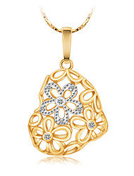High Quality Women's Hollow Flower Heart Gold Plated Pendant Necklaces Chain Statement Necklace with Diamond Wedding Engagement Gift