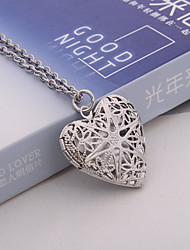 billige -Dame Hul Lockets Halskæde / Vedhæng - Sølvbelagt Medaljon, Hjerte, Kærlighed Vintage vedhæng Sølv / Bronze / Lysebrun Til Hverdag / Afslappet