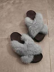 Feminino Sapatos Flanelado Outono Inverno Conforto Mocassim Chinelos e flip-flops Rasteiro Dedo Aberto Penas Pom Pom Para Casual Social