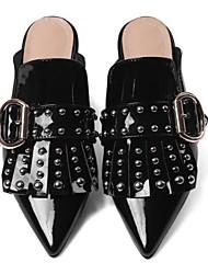 Недорогие -Для женщин Обувь Кожа Весна Удобная обувь Башмаки и босоножки На низком каблуке Заостренный носок С шипами Назначение Повседневные Черный