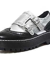 preiswerte -Damen Schuhe PU Frühling Herbst Gladiator Pumps Outdoor Flacher Absatz Runde Zehe Schnalle Für Normal Schwarz Silber