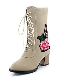 baratos -Mulheres Sapatos Pele Nobuck Primavera / Outono Conforto / Tira no Tornozelo Botas Salto Robusto Ponta Redonda Botas Cano Médio Cadarço /