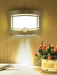 Недорогие -1pc датчик света человеческого тела контролирует свет ночи<5v 4 * aaabattery теплый белый