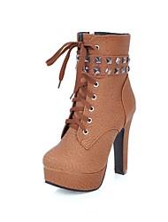 Feminino Sapatos Courino Primavera Outono Conforto Botas da Moda Botas Ponta Redonda Botas Curtas / Ankle Tachas Para Casual Social Preto