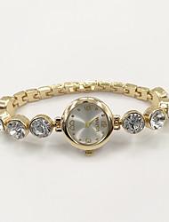 economico -Per donna Orologio alla moda Orologio braccialetto Quarzo Con diamantini imitazione diamante Lega Banda Con ciondoli Casual Elegant Oro