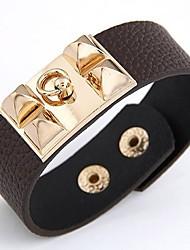 abordables -Femme Cuir Bracelets Rigides - Large Hip-Hop Mode Forme de Cercle Forme Géométrique Noir Marron Bleu Bracelet Pour Bar Soirée