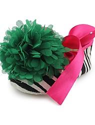 preiswerte -Mädchen Schuhe Stoff Frühling Sommer Kinderbett Schuhe Lauflern Komfort Flache Schuhe Applikationen Band-Bindung für Hochzeit Kleid Grün