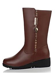 baratos -Mulheres Sapatos Pele Napa / Couro Ecológico Outono / Inverno Conforto Botas Sem Salto Botas Cano Médio Preto / Marron
