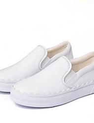preiswerte -Damen Schuhe Leder Frühling Herbst Komfort Loafers & Slip-Ons Flacher Absatz Geschlossene Spitze für Normal Draussen Weiß Schwarz Rosa