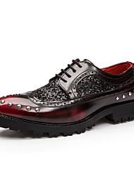 Homens sapatos Micofibra Sintética PU Primavera Outono Conforto Oxfords para Casual Preto Vermelho