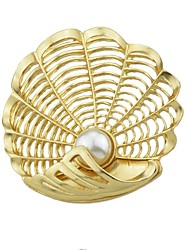 cheap -Women's Imitation Pearl Brooches - Simple / Basic Shell Gold Brooch For Daily / New Year