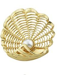 abordables -Femme Broche , Perle imitée simple Basique Alliage Coquillage Or Bijoux Pour Quotidien Nouvelle Année