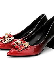 preiswerte -Damen Schuhe PU Frühling Herbst Pumps High Heels Blockabsatz Spitze Zehe Strass Imitationsperle für Normal Schwarz und Silbern Schwarz/Rot