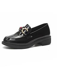 Недорогие -Жен. Обувь Полиуретан Весна Удобная обувь Кеды На плоской подошве Белый / Черный / Винный