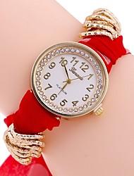 baratos -Mulheres Relógio Casual / Relógio de Moda / Colar com Relógio Chinês Relógio Casual Tecido Banda Casual / Fashion Preta / Vermelho / Marrom / Um ano
