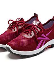 baratos -Mulheres Sapatos Tule Primavera Outono Conforto Tênis Caminhada Corrida Salto Baixo para Casual Ao ar livre Preto Cinzento Vermelho Escuro