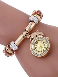 Недорогие -Жен. Модные часы Китайский Имитация Алмазный сплав Группа Кулоны / Мода Черный / Белый / Синий / Один год