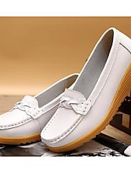 Недорогие -Жен. Обувь Полиуретан Весна / Осень Удобная обувь Мокасины и Свитер Туфли на танкетке Белый / Черный / Винный