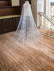 Недорогие -Один слой Обрезанная кромка Новое поступление Свадебные вуали Соборная фата Фата для венчания С Сердце Вышивка бисером в виде цветов