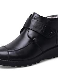 baratos -Mulheres Sapatos Pele Inverno Botas de Neve / Forro de peles Botas Sem Salto Botas Curtas / Ankle Preto