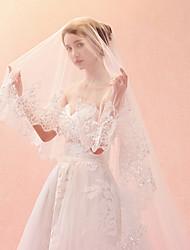 Недорогие -Один слой Классический и неустаревающий / Изысканный и современный Свадебные вуали Фата для венчания с Вышивка Тюль / Классическая