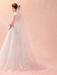 Недорогие -Один слой Кружевная кромка Новое поступление Свадебные вуали Соборная фата Фата для венчания С Лепестки Вышивка Кружева Тюль