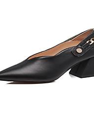 baratos -Mulheres Sapatos Pele Napa / Pele Primavera / Outono Conforto Saltos Salto Robusto Branco / Preto / Marron