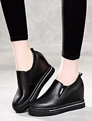 Недорогие -Жен. Обувь Кожа Весна / Осень Удобная обувь Мокасины и Свитер Микропоры Белый / Черный