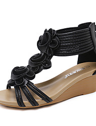 Недорогие -Жен. Обувь Искусственное волокно Лето Оригинальная обувь Сандалии Туфли на танкетке Круглый носок Цветы из сатина Черный / Миндальный