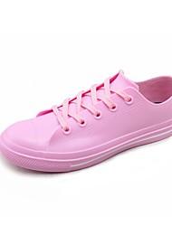 baratos -Mulheres Sapatos Borracha Primavera Verão Conforto Tênis Sem Salto para Branco / Preto / Rosa claro