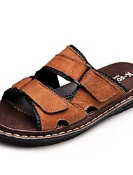 Недорогие -Муж. Армейские ботинки Кожа Лето / Осень Удобная обувь Сандалии Для плавания Черный / Коричневый