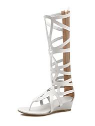 abordables -Femme Chaussures Similicuir Printemps été Confort Sandales Talon Plat Bout ouvert Noir / Beige / Marron / Soirée & Evénement