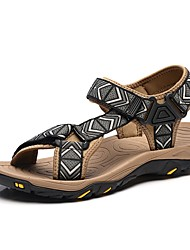 baratos -Homens sapatos Tecido Verão Conforto Sandálias para Casual Cinzento Café Marron Azul