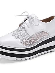 Недорогие -Жен. Обувь Тюль / Полиуретан Наступила зима Удобная обувь / Оригинальная обувь Туфли на шнуровке Микропоры Заостренный носок Белый /