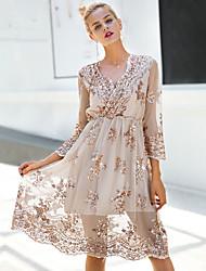 baratos -Mulheres Básico / Moda de Rua Delgado Evasê / Bainha / balanço Vestido - Paetês Decote V Altura dos Joelhos